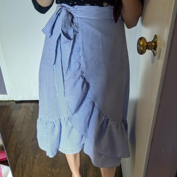 H&M Dresses & Skirts - Wrap skirt